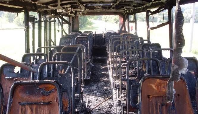 Hořel autobus, nikdo z cestujících se nezranil