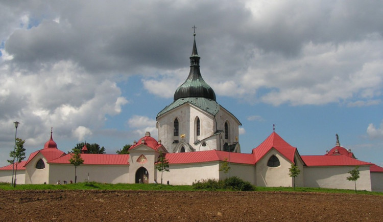 Po 75 letech se do poutního kostela na Zelené hoře ve Žďáru vrátí zvony