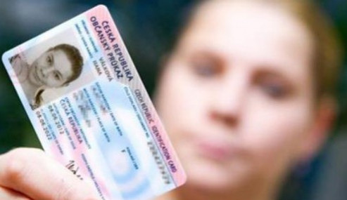 Na konci roku si lidé kvůli odstávce nevyřídí nové občanské průkazy ani cestovní pasy