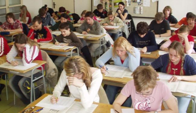 Přihlášku na střední školy je možné podat do půlky března. Školy nabízí i přípravné přijímačky
