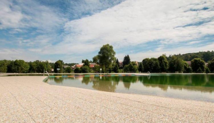 KOUPÁNÍ NA VYSOČINĚ: Šest rekreačních rybníků má horší vodu kvůli sinicím