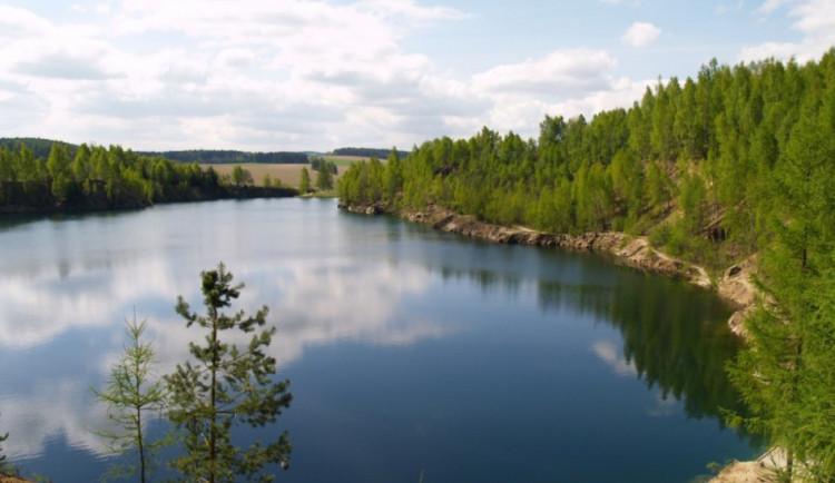 KOUPÁNÍ NA VYSOČINĚ: Osm přírodních koupališť má horší kvalitu vody