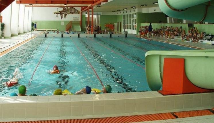 Zítra se opět otevře bazén Evžena Rošického v Jihlavě. Zmizel tobogán, který sloužil 21 let