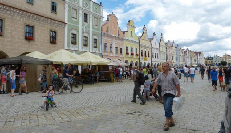 Město Telč během tohoto roku navštěvuje více turistů, pomohlo počasí i zajímavé akce