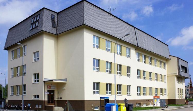 Stavební škola v Havlíčkově Brodě má od 1. září novou halu pro odborné předměty