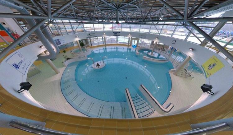 Jihlavský aquapark je uzavřený. Lidé se od 23. září mohou těšit na Kneippův chodník