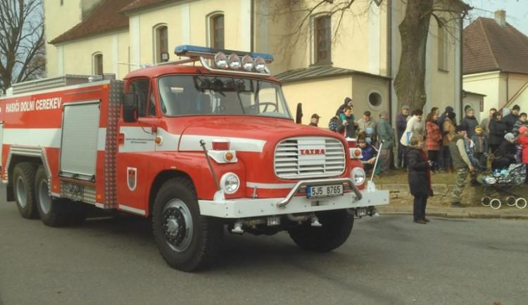 FOTO + VIDEO: Hasiči v Dolní Cerekvi mají nové zásahové vozidlo. Pojmenovali ho František