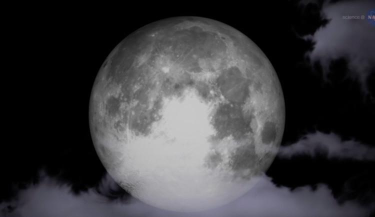 Letošní rok končí třemi superúplňky, ale jen dnes bude k vidění extra superměsíc