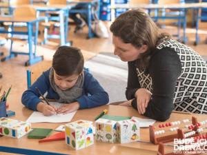 V Jihlavě budou probíhat zápisy do prvních tříd. Rodiče nesmí zapomenout rodný list a občanku