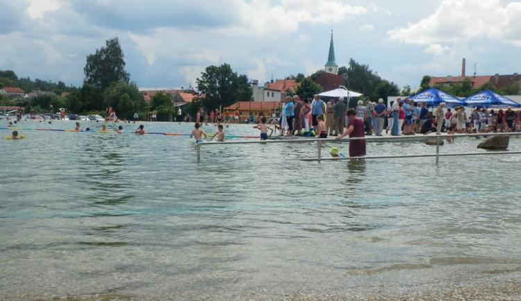 Třešťské přírodní koupaliště Malvíny má první výročí. Oslavu spojí s ukončením školního roku