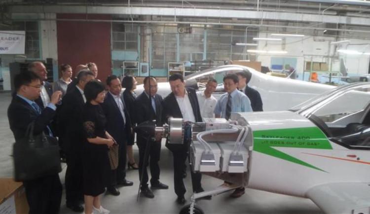Investice z Číny by mohly pomoci modernizovat letiště v Jihlavě – Henčově
