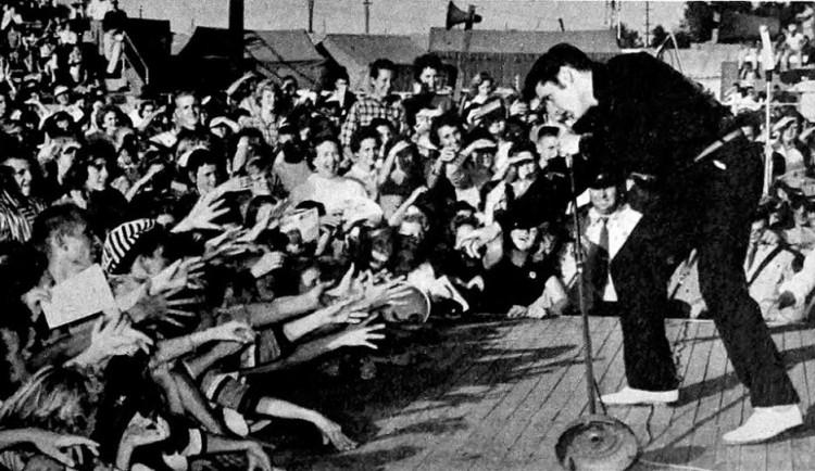 Elvis Presley zemřel před čtyřiceti lety. Jeho muzika ale nestárne