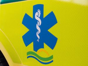Dva lidé v Jihlavě vypadli z okna paneláku. Se zraněním skončili v brněnské nemocnici