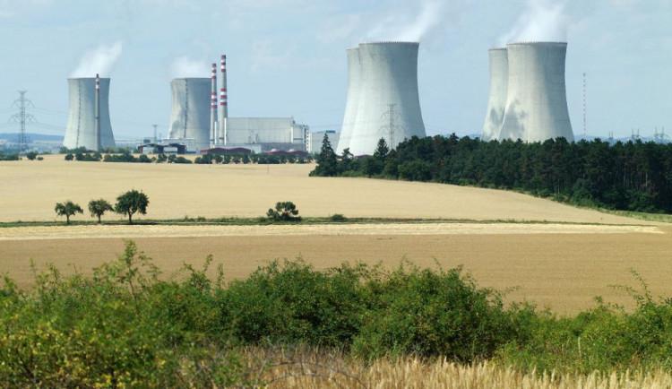 Dukovanská elektrárna neplánovaně snížila výkon čtvrtého bloku kvůli kontrole zařízení