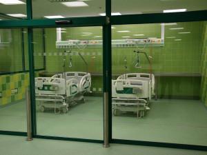 FOTO: Třebíčská nemocnice otevřela nový chirurgický pavilon. První pacienty přijme v lednu