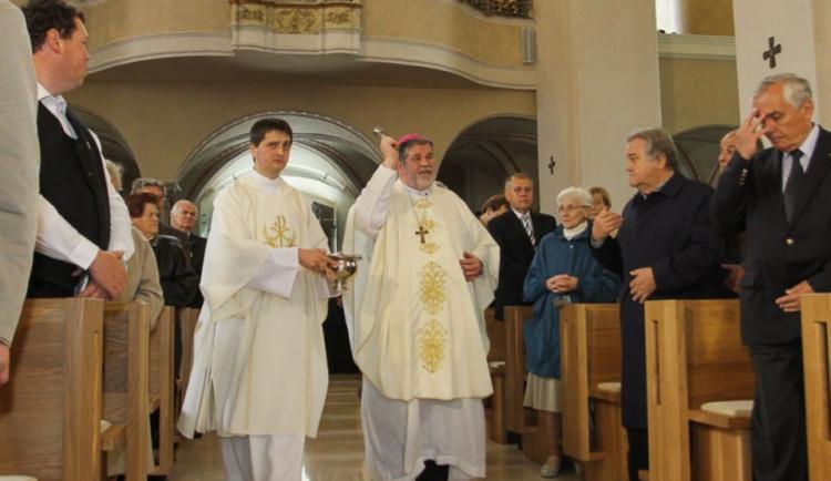 Kostely v Jihlavě chystají vánoční mše. Oživí je betlém nebo půlnoční koncert