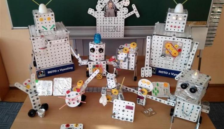 Deset tříd pojede za postavené roboty z Rota do vědeckého parku chytré zábavy