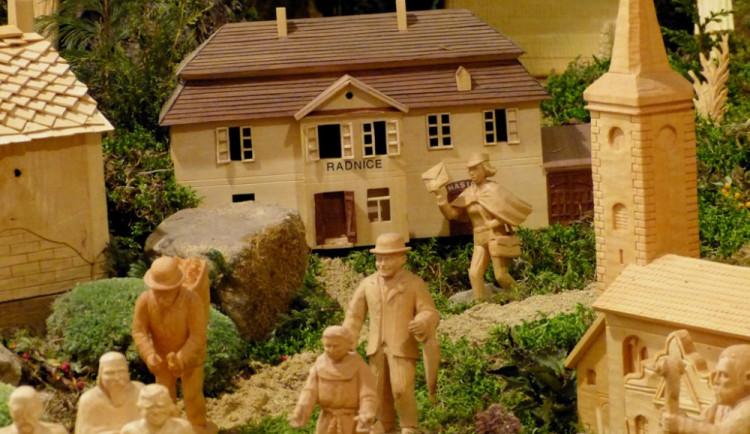 Muzeum v Třebíči vystaví více než stovku betlémů. Jsou z netradičních materiálů i zemí