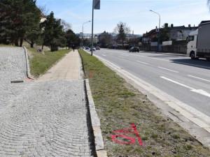 ANKETA: Začíná výstavba zastávek na Hradební ulici. Řidiče nemine dopravní omezení