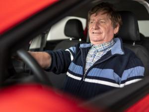 (NE)OBYČEJNÍ: Záleží mi na tom, aby z mých žáků autoškolu každý dokončil, říká instruktor Bohumil Vítek