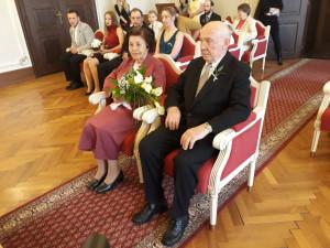Tuhle ženu si jednou vezmu, řekl nad fotkou před 60 lety. Dnes s ní v Jihlavě oslavil diamantovou svatbu