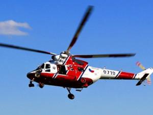 U nehody motorkáře zasahoval vrtulník. Se zraněním skončil v brněnské nemocnici