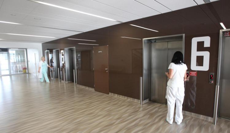 V jihlavské nemocnici se po opravách interního pavilonu stěhovala další oddělení