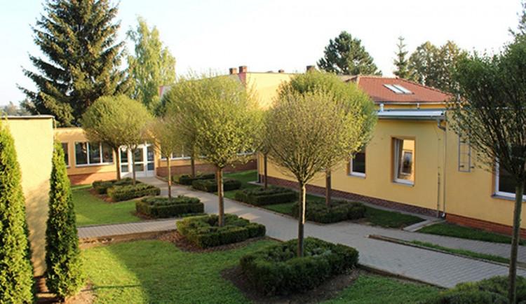 Jihlavské Speciálně pedagogické centrum se stěhovat nebude. Rodiče zorganizovali petici