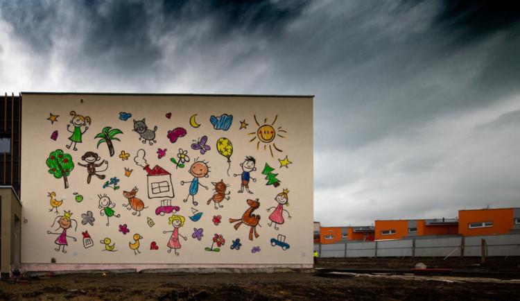 Nová školka s vířivkou a nočním provozem se už rýsuje. Děti do ní nastoupí letos v září