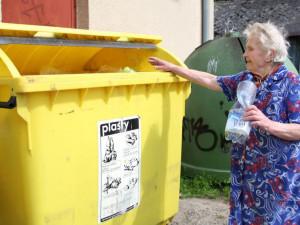 Na Vysočině každý průměrně vytřídil 54 kilogramů papíru, skla a plastů