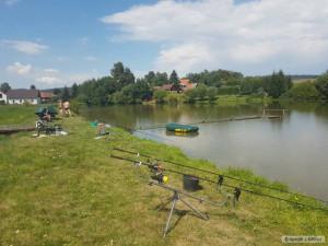 Obec Arnolec na Jihlavsku zpevnila hráz rybníka, kterou poškodili bobři