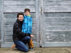 VIDEO: Syn mi oholil hlavu a společně jsme vybrali pirátský šátek, říká onkologicky nemocná Andrea z Jihlavy
