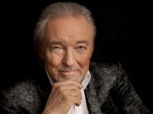 Krátce před půlnocí zemřel zpěvák Karel Gott. Bylo mu 80 let