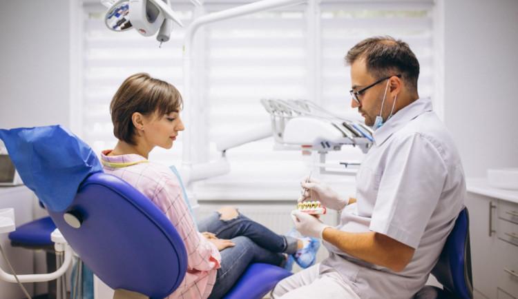 Kraj Vysočina pomůže obcím platit ordinace pro zubaře