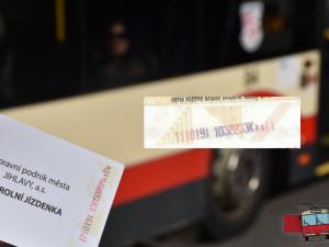 V Jihlavě se prodávají falešné jízdenky na MHD, varuje dopravní podnik. Jak je poznáme?