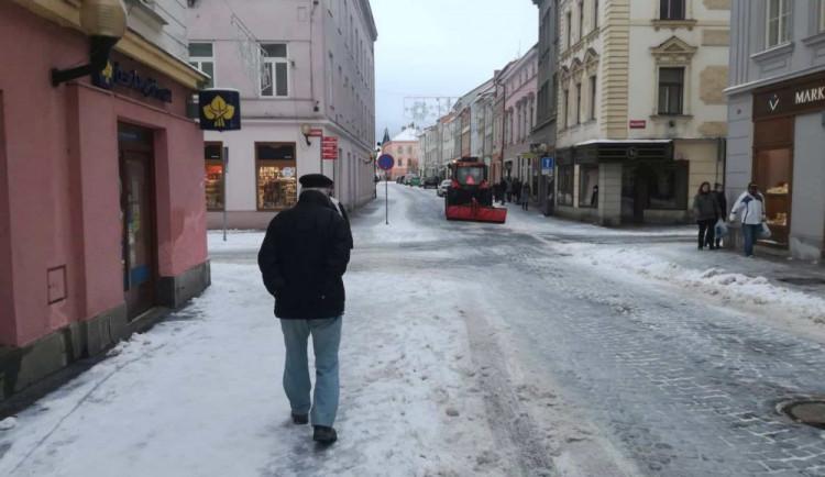 Jihlava je již připravená na zimu. Údržbu chodníků ve městě čeká několik změn