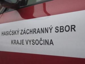 U stojanu čerpací stanice na Jiráskově ulici hořelo kolo dodávky. Hasiči použili termokameru