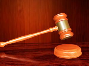 Obžalovaní v případu pádu mostu ve Vilémově znovu vypovídali. Jednání budou pokračovat
