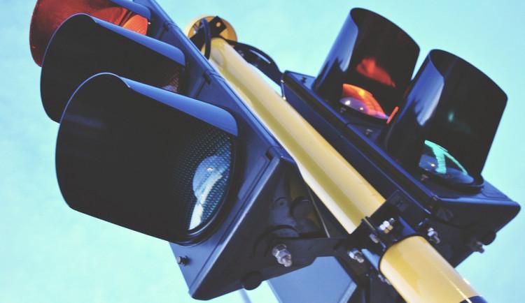 Pelhřimov bude měnit semafory. Řidiče čekají velké dopravní problémy