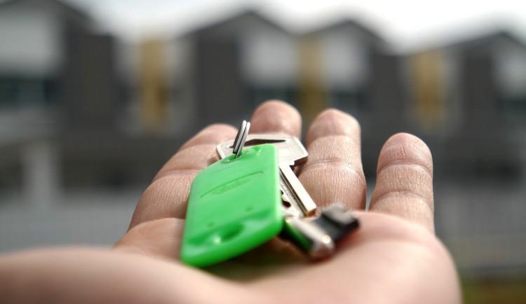 Housing first v Jihlavě: Bylo vylosováno 12 domácností v bytové nouzi, po Novém roce se nastěhují do městských bytů