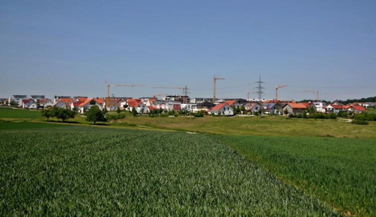 Zasíťování nových pozemků bude v Náměšti stát 26 milionů korun. Město už je nabízí