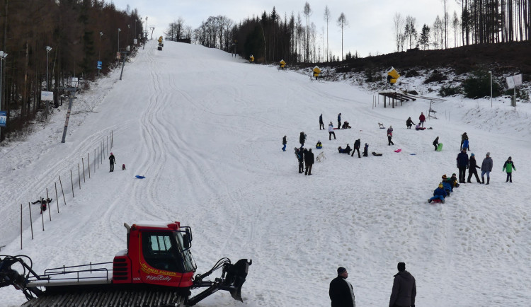 LYŽOVÁNÍ NA VYSOČINĚ: Šacberk má 45 centimetrů sněhu. Ve čtvrtek asi zahájí sezonu