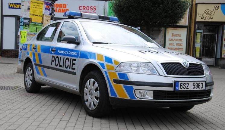 Dvojice podezřelých kvůli střelbě na Třebíčsku zadržena. Muži skončili v policejní cele