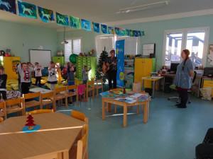 Děti z Jihlavy podpořily pacienty s roztroušenou sklerózou. Hlavním tématem byla slunečnice