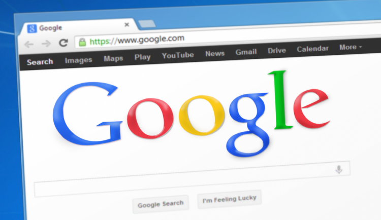 Český Google vyhledávač v tomto roce ovládl Karel Gott, Most a vejce Benedikt