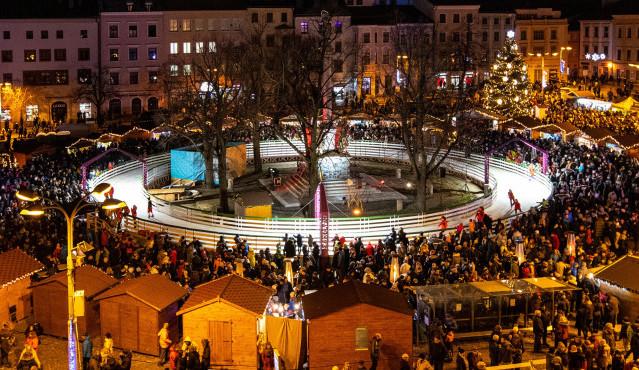 POLITICKÁ KORIDA: Jak se zastupitelům líbí vánoční Jihlava? Co přejí čtenářům Drbny?