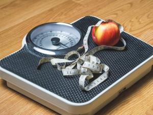 Novoroční předsevzetí si dá téměř polovina lidí v Česku, nejčastěji chtějí zhubnout