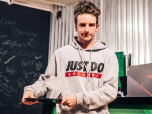 ROZHOVOR: Přijel jsem jako outsider, o to víc si úspěchu vážím, říká Dominik Lengal, mistr Československa v počítačové hře FIFA