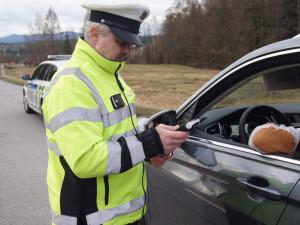 Pondělí na silnicích Vysočiny: Pět kontrolovaných řidičů, pět pozitivních testů na drogy