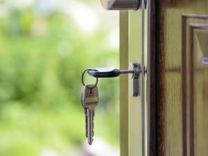 První klienti projektu Housing First se už zabydlují. Všech dvanáct bytů bude obsazených do března